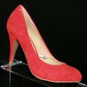 Forever 21 red man made round toe pump heel 7